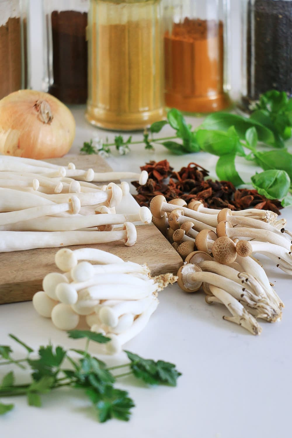 Beech mushrooms and enoki